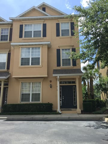 Private Room In a Golf Community - Lake Mary - Townhouse