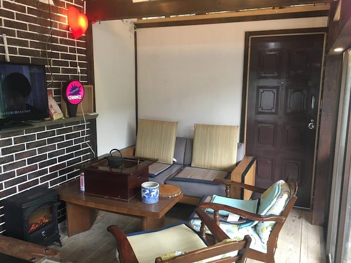 1部屋事分かれてます。beachstation.r128hotelの予約受付を開始します