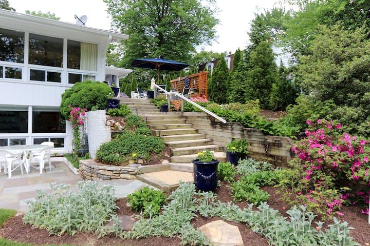 Exquisite Garden Apt Arlington,VA
