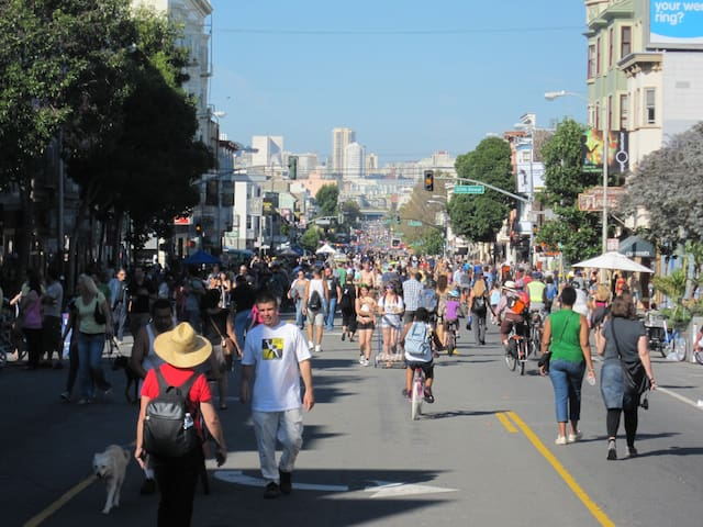 Valencia St. has San Francisco's finest restaurants and cafes, only one block away.