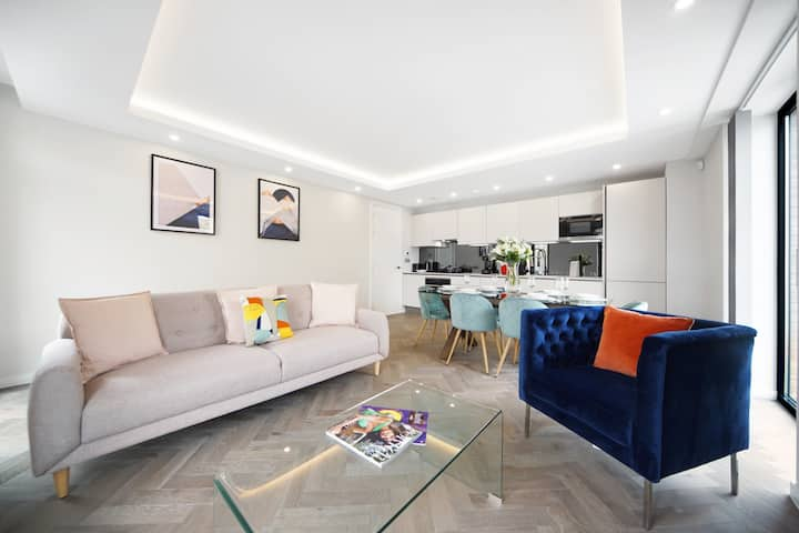 Luxury 2 bedroom apartment in Fulham Broadway