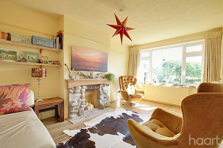 FREE PARKING //Peaceful, clean, warm // DOUBLE BED