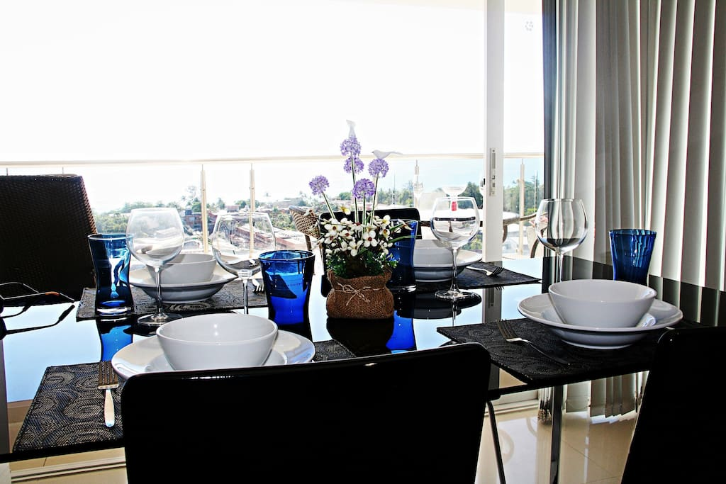eat some good food with the seaview