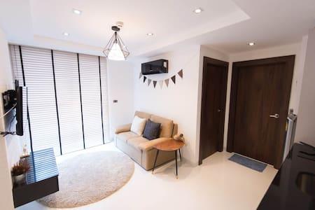 Serenity Wongamat  Condominium Pattaya City - Pattaya City - Квартира