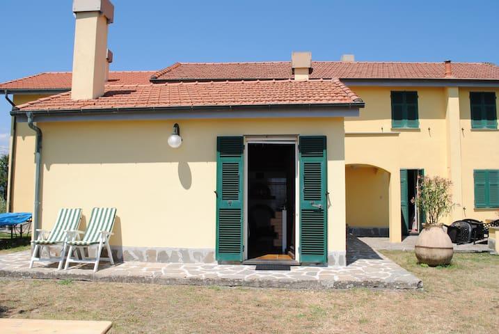 CASA  MANAROLA nel residence Castellaccio5terre - Calice al Cornoviglio - Dom