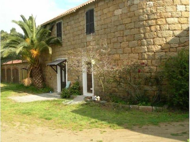 Petite maison rustique proche plage - Belvédère-Campomoro - Casa