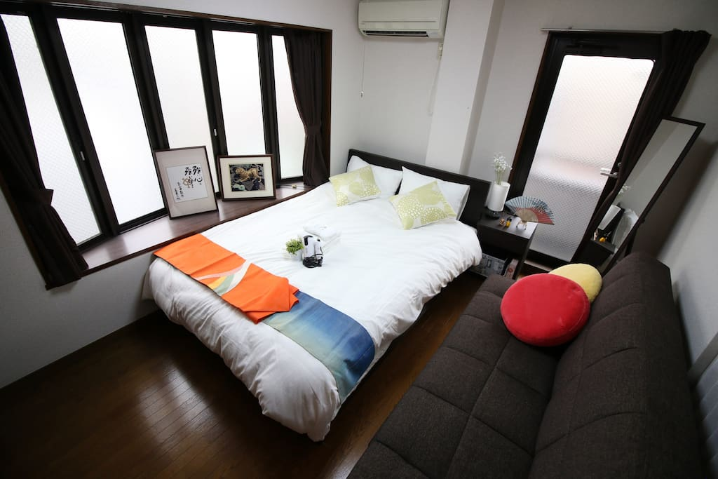 bed room1:a rea double bed