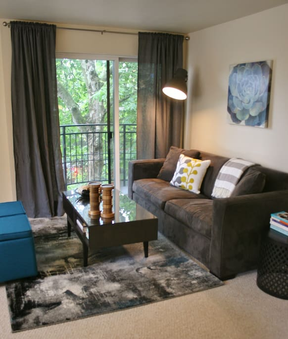 """Welcome to the Montreux!  A smaller condo building perfectly situated in Belltown, an easy walk to the Seattle Center or downtown. A perfect """"home base"""" for your Seattle stay."""