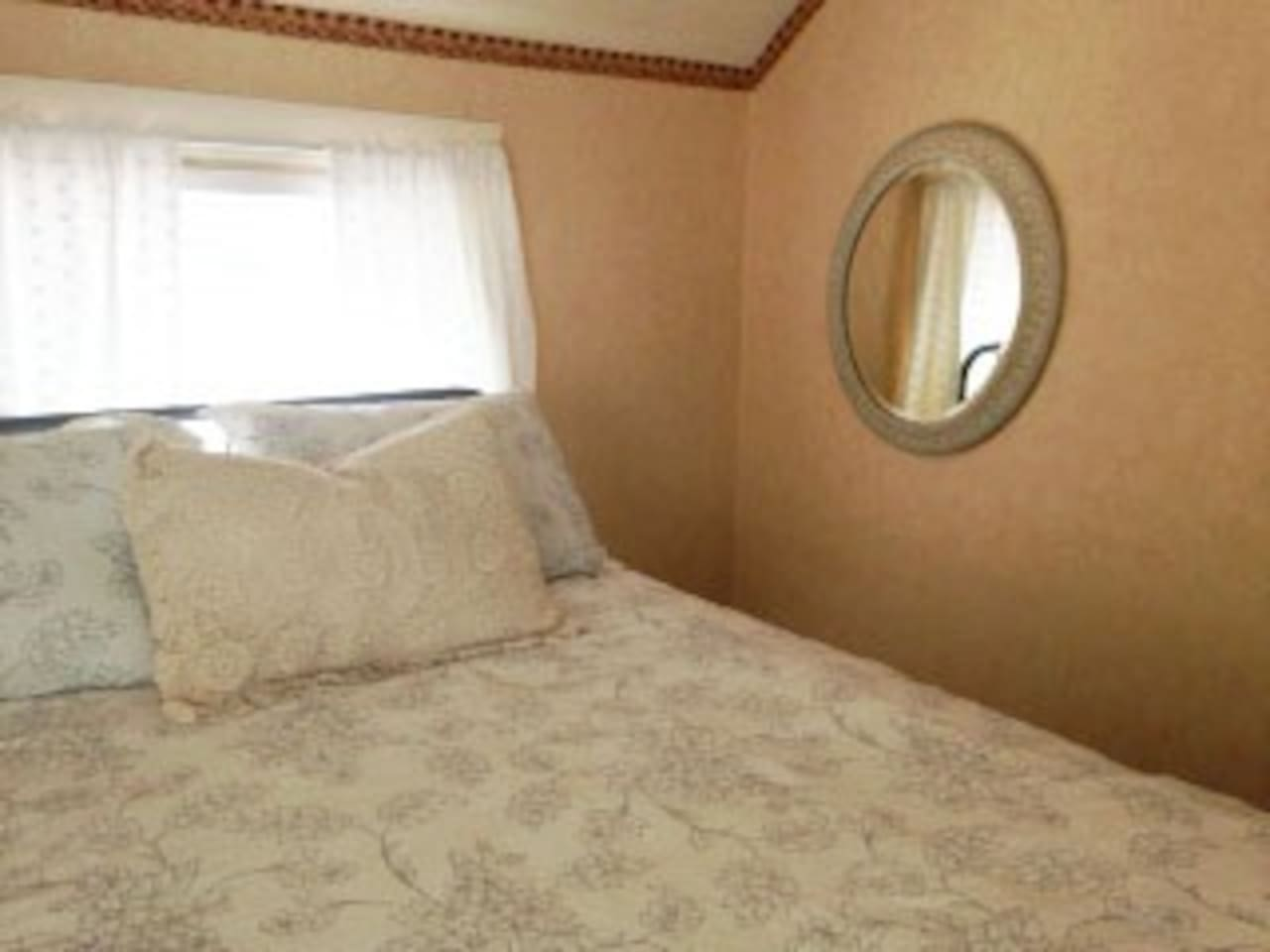 Three cozy rooms with new beds and new bedding