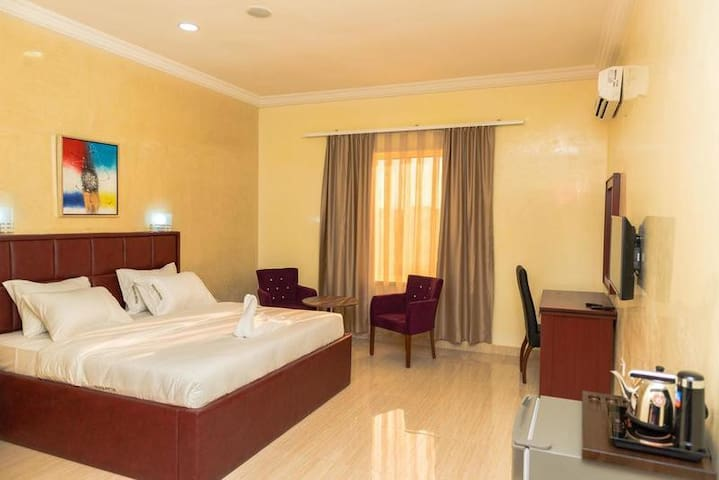 Sefcon Suites & Apartments--Deluxe Room