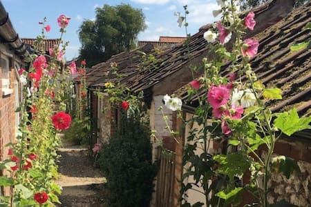 Burnham Cottage, Burnham Market