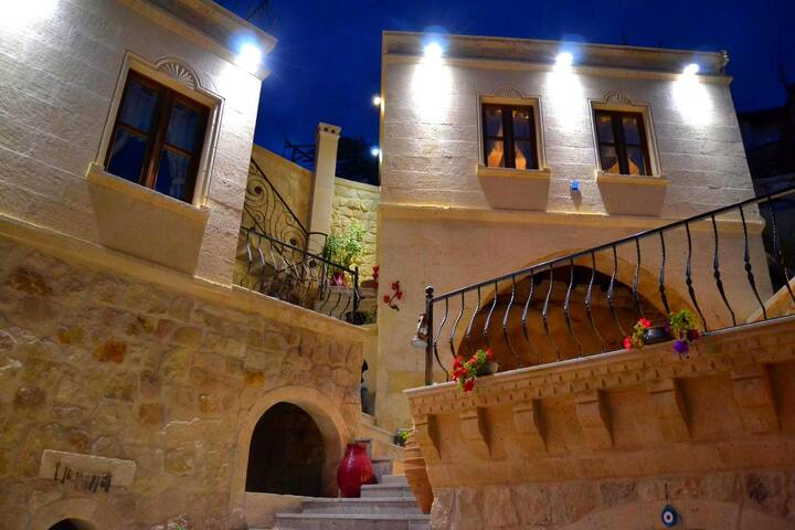 Elika Cave Suites - Ortahisar - Bed & Breakfast