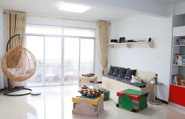 平潭班长家,文艺套房,3房2厅2卫1阳台,可住8人,适合团队自驾游 - 福州 - Apartment