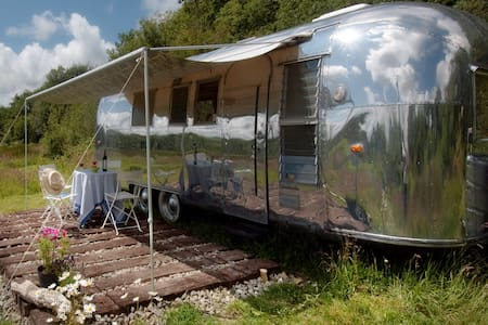 Wildernest - Airstream - Lampeter
