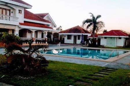 Villa Victoria Beachfront Resort