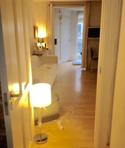 The Vesterbro bright cosy room... - Copenhaguen