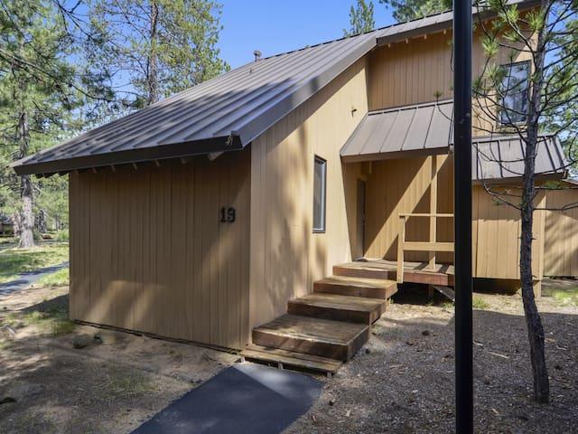 Cluster Cabin 19 - Bend - Cabin