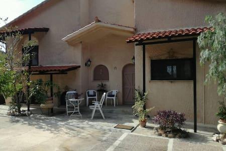 Nice and comfortable country house - Λαγονήσι Αττικής