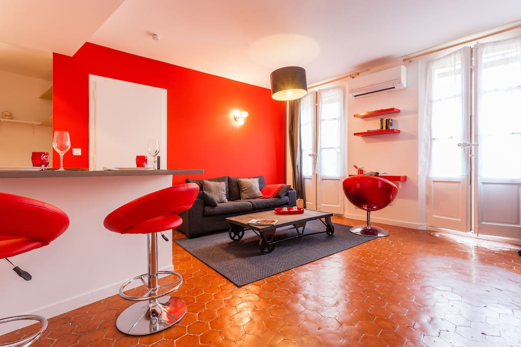 T2 clim wifi calme hyper centre appartements louer for Le bon coin location salon de provence