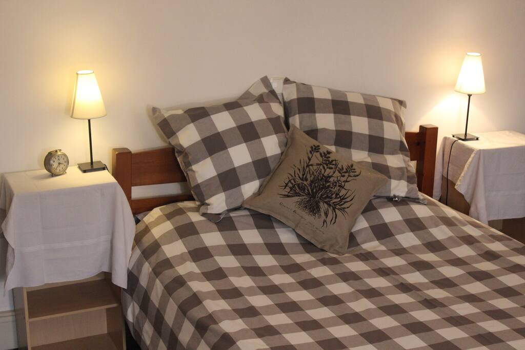 2nd bedroom with views of the picturesque historic ramparts and gardens. Quality 100 % bedlinen provided.
