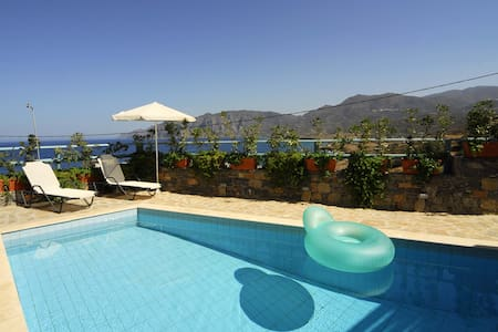 Luxury Villa with private pool & superb sea view - Mochlos