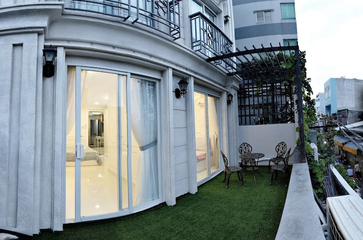 2 Bedroom Apartment  large balcony near district 1