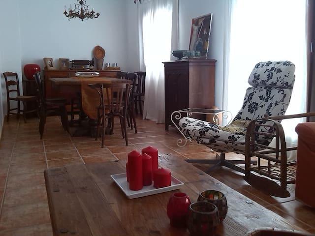 Casa de Pueblo Con Personalidad-Rural Old Cottage - La Guàrdia dels Prats