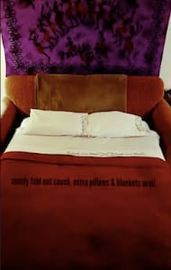 NEW-Vibey Comfy Pull-out couch near Boulder&Denver - Golden - Leilighet
