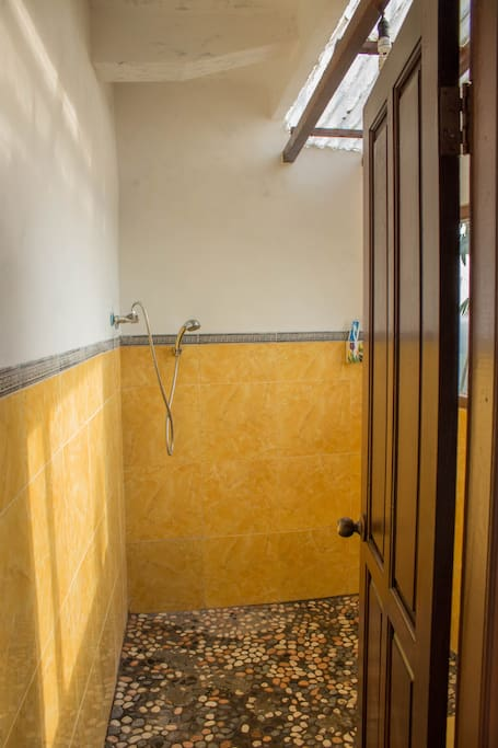 Shared bathroom with warm shower, shared with two rooms