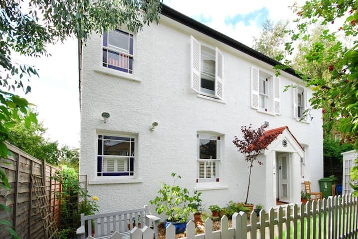 A cottage retreat in East Dulwich - London Borough of Southwark - Ház