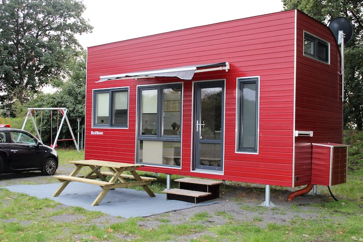 Tiny House Red Rose