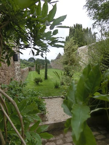 Maison 19ème de Charme en Bretagne Romantique - Hédé-Bazouges