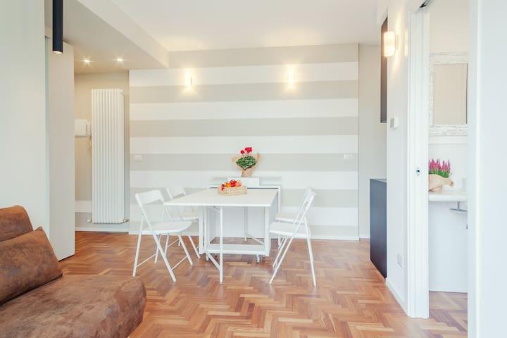 Palazzo Ex Borsa Panoramic Cream&Green Apartment