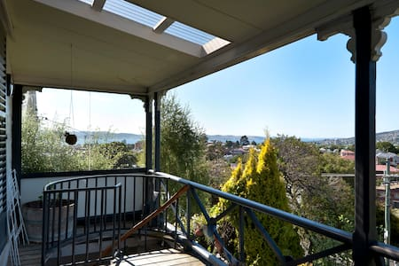 Stunning view, great location - West Hobart - Casa a schiera