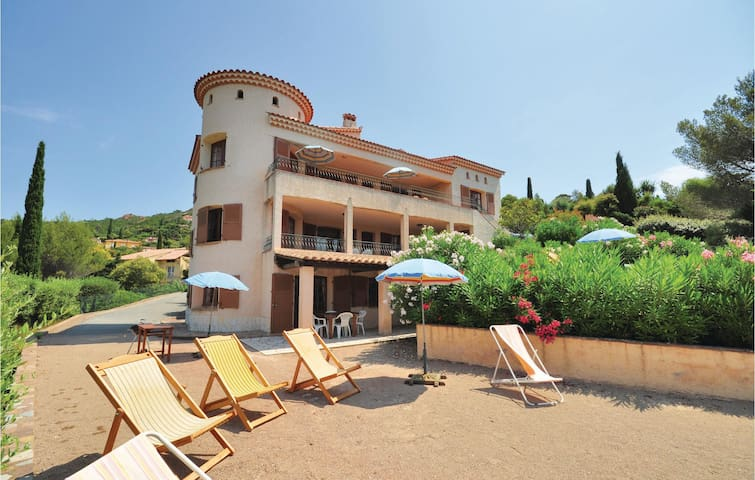 Holiday apartment with 1 bedroom on 50m² in Agay