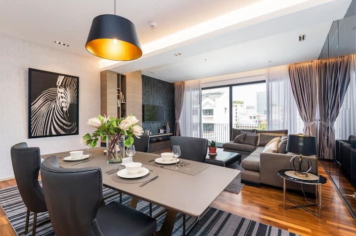 Roof-top Pool Luxury Residence in trendy Thonglor