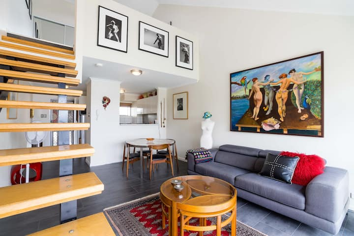 Urban Loft-Style Apartment Newtown!