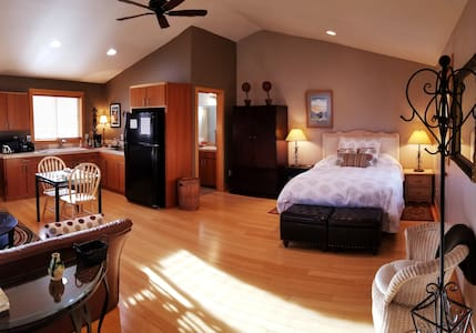 A Couples Getaway in Old NW Bend