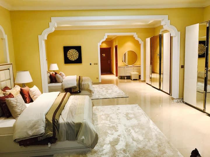 Beautiful Sea View Apartment In RAK