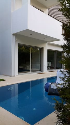 Gorgeous house with private pool - Voula