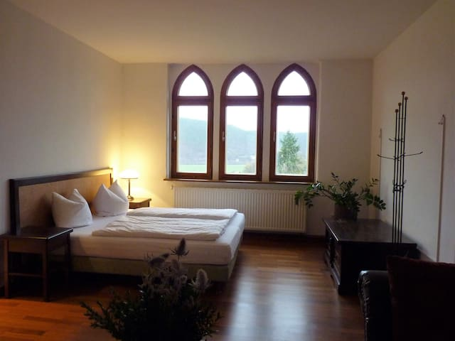 Executive-Ensuite Bad-Bergblick-Schloss 303