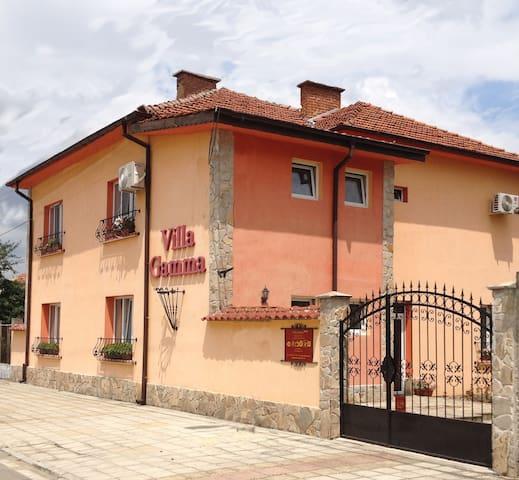 Villa Gamma - Pavel Banya