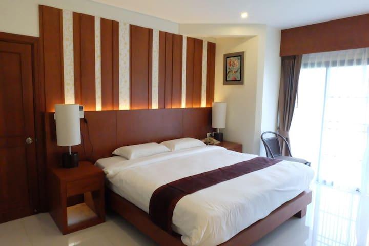 Fully furnished apartment beside laguna lake