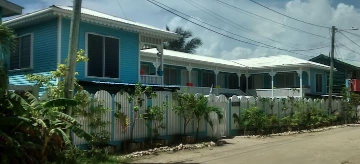 Bakkatown Belize Guest House King Studio #9