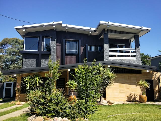 6 Bedroom House for rent Near Nepean River Penrith