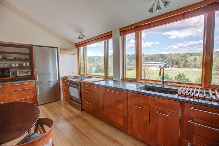 Gorgeous Apt in Most Convenient Location in Stowe