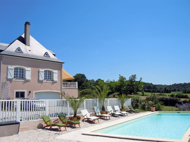 Close to Lourdes and Pau, Pyrenees  - Coarraze - Bed & Breakfast
