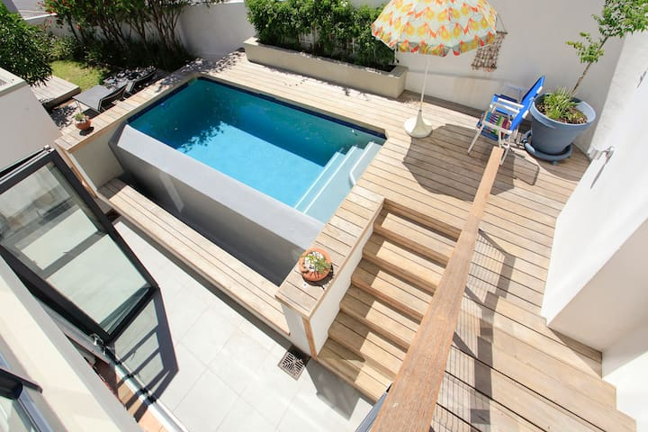 Sunny Spacious Bantry Bay Apartment with pool - Cape Town - Apartmen