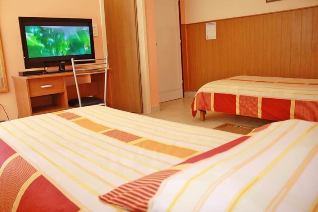 Twin beds & flat screen TV