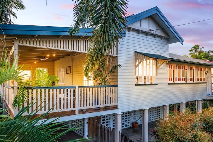 Classic City Queenslander (Entire House Is Yours)